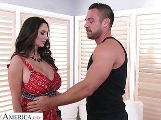 Mouth watering milf with big tits Ava Addams is fucked by hot guy Johnny Castle