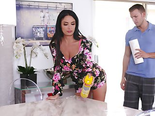 Stacked stepmom Anissa Kate does the deed with her young son